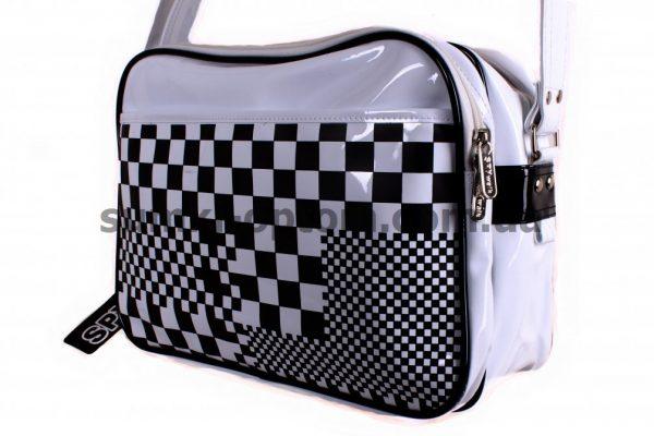 Лаковая спортивная сумка SPYwalk