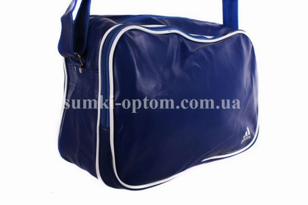 Спортивная сумка синего цвета