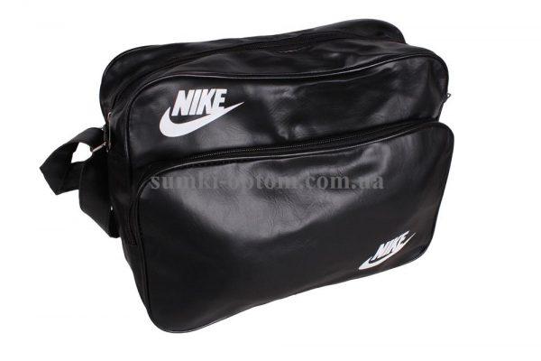 Практичная спортивная сумка Nike