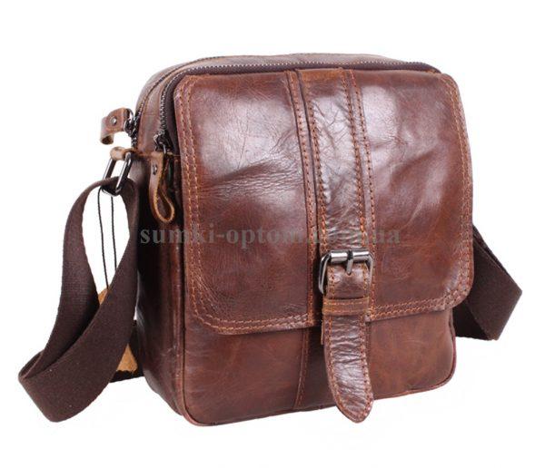 Стильная мужская сумка изготовлена из натуральной кожи